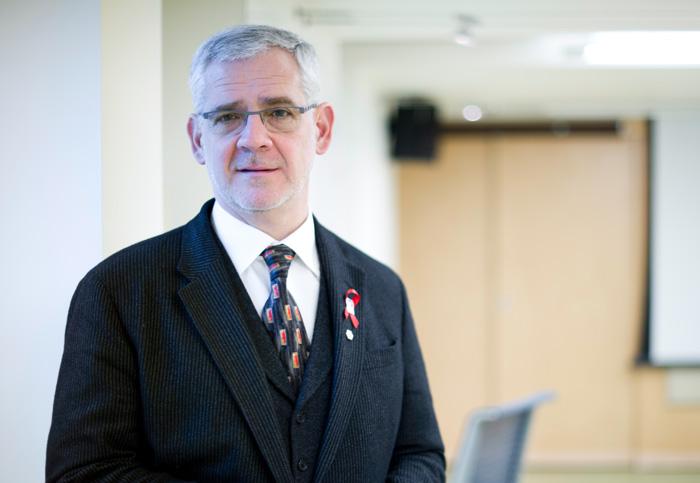 Dr. Julio Montaner